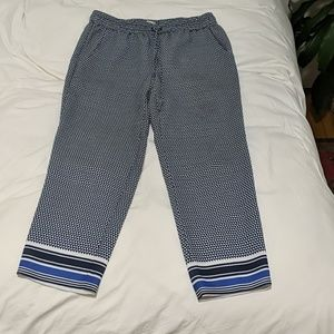 Cropped tapered patterned pants